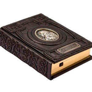 Подарочная книга «Православный молитвослов» на русском языке в кожаном переплете