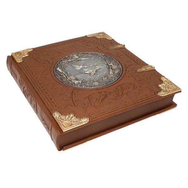 Книга «Курт Блюхель: Охота» элитное издание для подарка