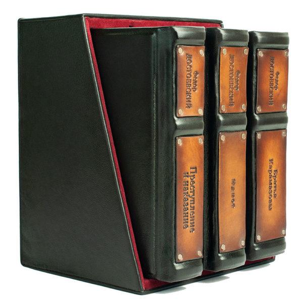 Подарочное издание «Достоевский: избранные сочинения» в 3 томах ручной работы