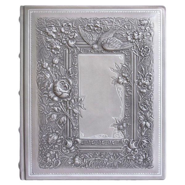 Подарочный фотоальбом «Ласточка» в кожаном переплете с глубоким тиснением
