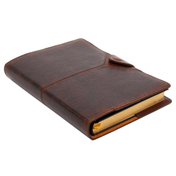 Ежедневник «Бомбёр коричневый» в кожаном переплете